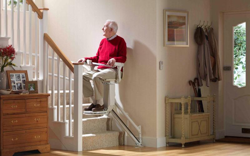 Pourquoi-installer-un-monte-escalier-dans-son-domicile-.jpg